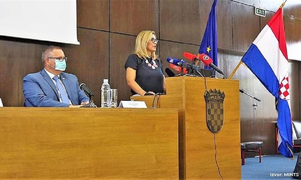 Ministrica turizma i sporta