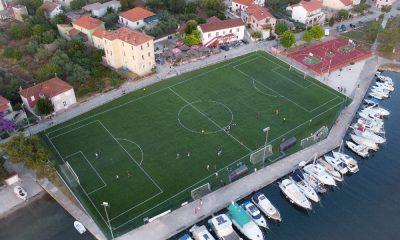 Sutomišćica nogometno igralište